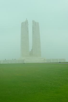 Mémorial de Vimy dans la brume